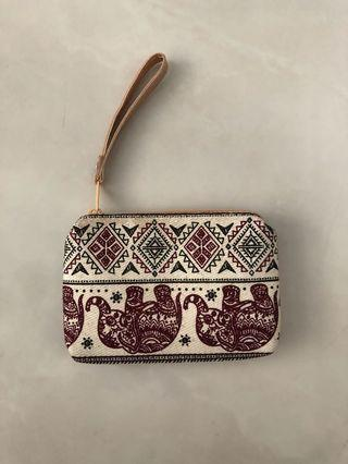 🚚 Red Beige Coin Pouch