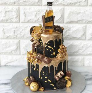🚚 Black X Gold Double tier Cake
