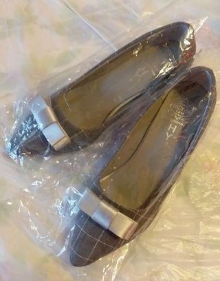 格仔款高踭鞋