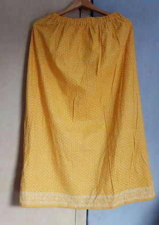 #mauthr Yellow Skirt Batik