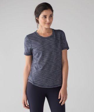 Lululemon Long Distance SS Shirt, Size 6