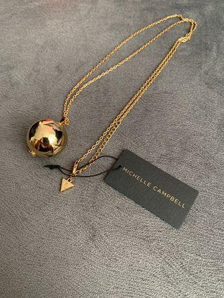 Michelle Campbell gold necklace