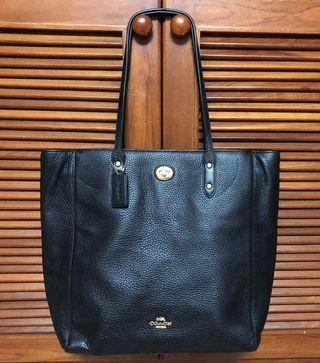 🚚 Coach Town Tote Bag Pebble Leather F12184