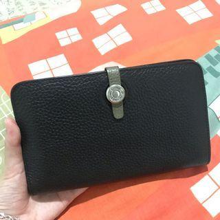 Dompet hitam hermes