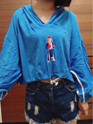 🚚 拳擊小男孩 藍色 長袖 短版 上衣 帽T 秋季款