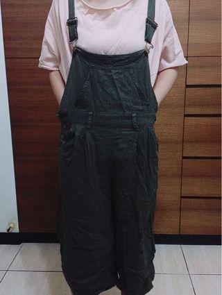 🚚 墨綠色 吊帶 長褲