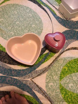 Le Creuset 心型碟加煲 Heart Shaped Stoneware Plate and Ramekin