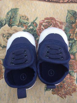 Sepatu bayi 6-12 months