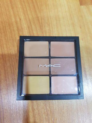 MAC Pro Conceal and Correct Pallet/ Medium