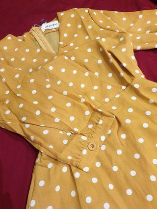 Dress casual polka dot yellow