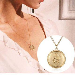 [PO] Vintage Gold Rose Coin Pendant Necklace