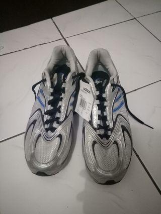 Sepatu Running Adidas Abu2