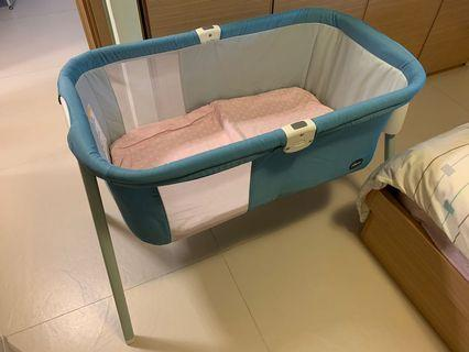 Chicco LullaGo Bassinet Next2me