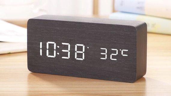 智能鐘 木質簡約方型設計(HA005)