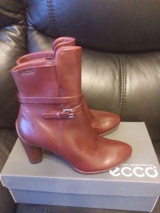 Ecco女装靴