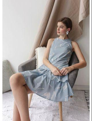 BNWT TTR Elly Tiered Dress Blue Abstract