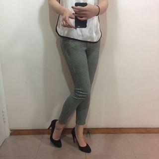 Black and white stretchy pants 黑白彈性長褲
