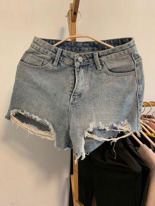 🚚 M/2019韓國新款刷破牛仔短褲