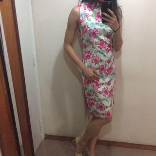 白底粉花旗袍Floral traditional Chinese dress qipao