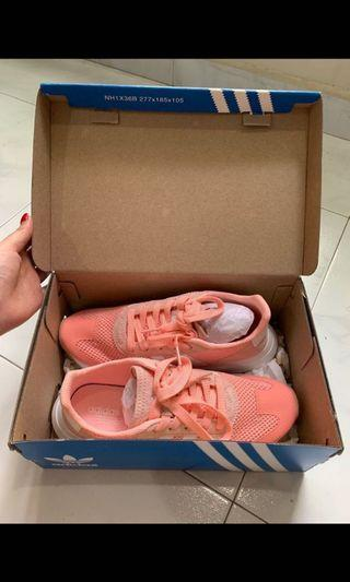 Adidas Sneaker - woman size 38/UK5/US6.5