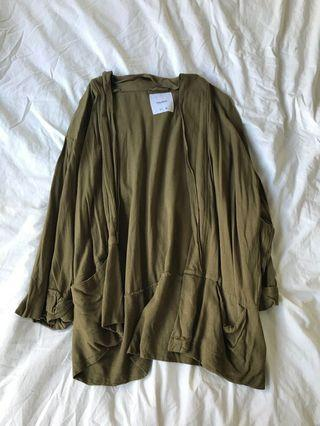 Pull and Bear olive cardin