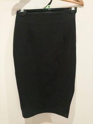 FORCAST size 6 black skirt