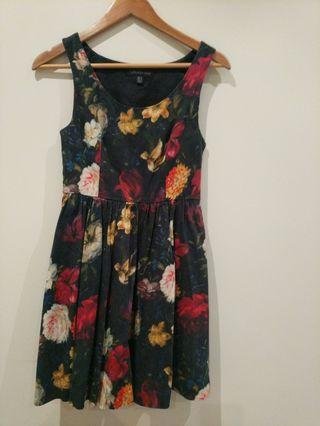 Forever New floral dress size 6