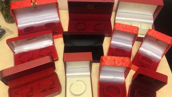 金器盒 各大金行 周生生 謝瑞麟 周大福 六福 Chow Sang Sang TSL Chow Tai Fuk Luk Fook accessory box luxury 中式婚禮 wedding 出門 裙褂 奇華 禮餅 嫁女餅
