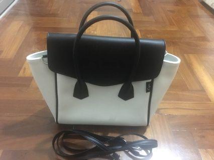 🚚 Riya handbag / sling bag