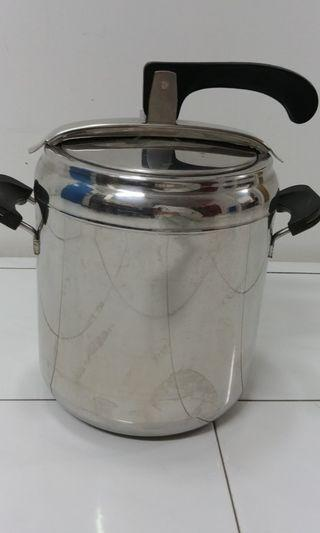 Pressure cooker Aeternum cooker pot made in Italy