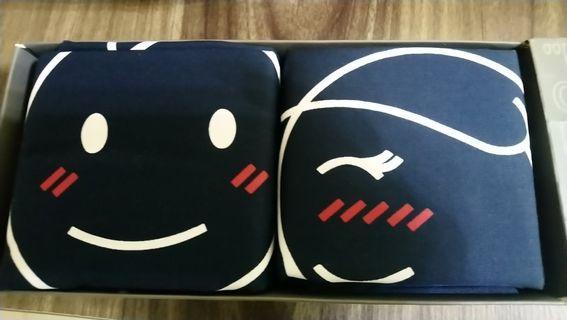 全新human touch情侶枕頭袋1對