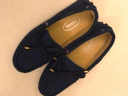 Brand new size 35 Loafers