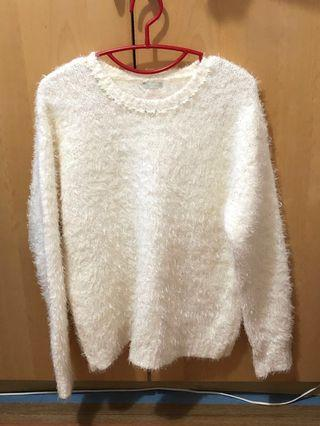 Woman's top in white colour for winter