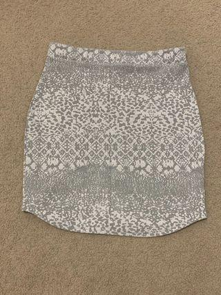 MISSGUIDED patterned skirt