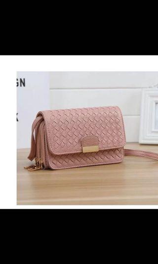 New Korean version small simple fashion hand-woven ladies bag shoulder Messenger bag