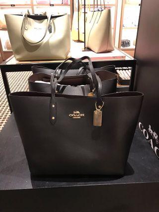 實用款❣️Coach town tote Bag
