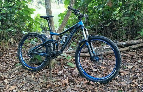 Price reduced. Giant Trance 27.5 Full XT