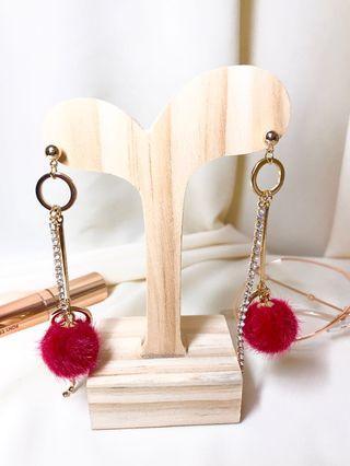 可愛紅色毛球垂墜式耳環