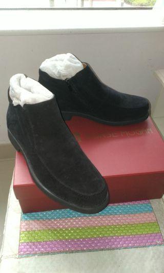 男裝黑氣經典絨鞋(去著過)