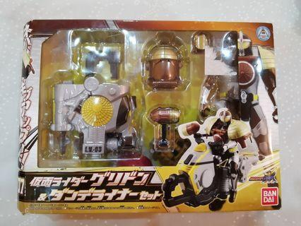 Bandai Kamen Rider Gaim AC07 Kamen Rider Grison Donguri (Acorn) Arms & Dandeliner Set