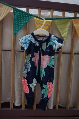 Bonds Wondersuit, size Newborn