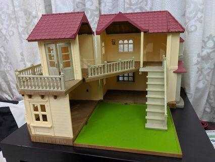 Sylvanian House- 2 storey (with accessories)