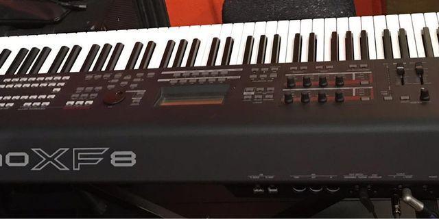 🚚 Electronic Keyboard