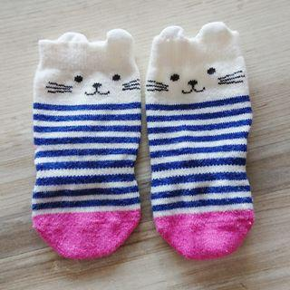 Uniqlo baby socks - kitten (for 9-12cm)