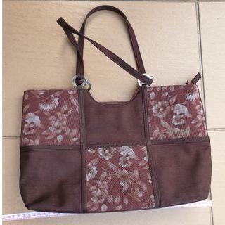 B&G-brown floral handbag