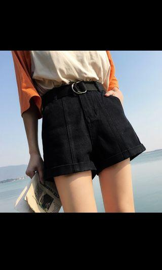 🚚 Black Shorts