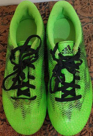 【降價含運出清】Adidas酷炫綠兒童足球鞋 【#22.5】