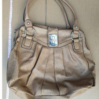 Guess-tan handbag