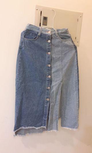 牛仔拼接藍色排扣不規則不對稱造型長裙