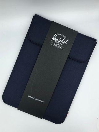 "Herschel iPad Sleeve 9.7"" (Navy)"
